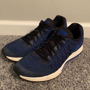 Men's Nike Pegasus 32 Size 10. Royal Blue